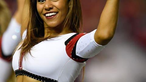 NFL Cheerleaders: Week 4