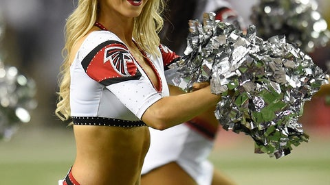 NFL cheerleaders in pictures