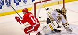 Red Wings steal one from Bruins