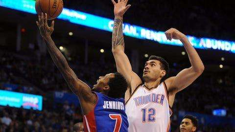 Jennings leads Pistons to OT win at Thunder