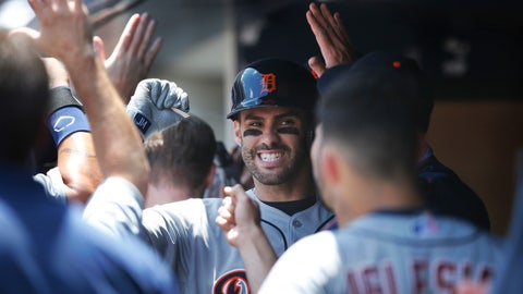 J.D. Martinez gives his dad a Father's Day to remember in Tigers' 12-4 victory