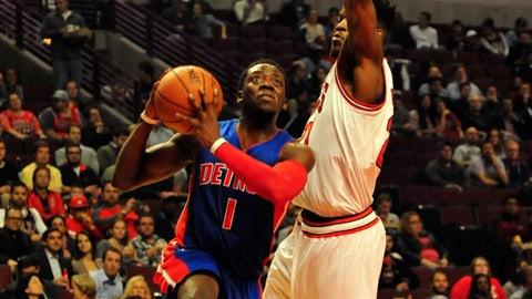 Reggie Jackson scores 20, leads Pistons over Bulls, 114-91