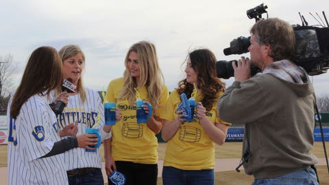 Chyna & Sage chat with Emily Deem from FOX 11 & Hilary Bauer from the Timber Rattlers about Opening Day. Cheers to a great season!