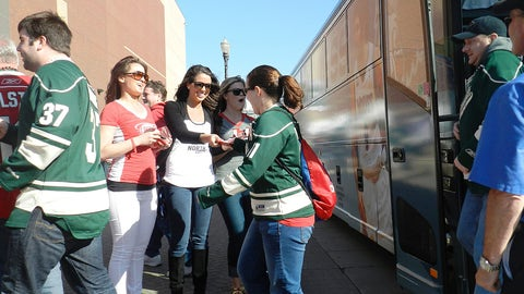 Angie, Kaylin & Kendall greet fans arriving on the FOX Sports North Fan Express bus.