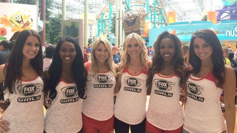 The FOX Sports Girls are take on the Mall of America and Nickelodeon Universe.