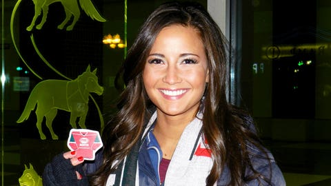 Angie has her FOX Sports North refrigerator magnets for fans to take home!