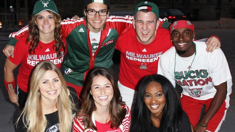 The FOX Sports Wisconsin Girls leave their mark on Milwaukee with some Bucks fans.