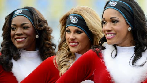 Tennessee Titans cheerleaders