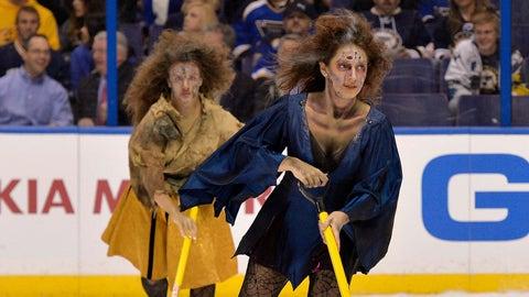 St. Louis Blues ice girls