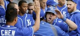 Royals beat White Sox 2-1 with run in ninth