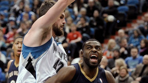 Pelicans at Wolves: 1/1/14