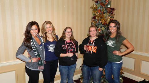 FOX Sports North Girls hanging with Wild fans!