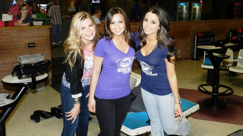 The game may have gone extra innings, but the FOX Sports North Girls are happy the Twins got the win in the end!