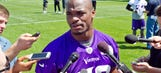 Peterson doesn't worry about age, best running back debates