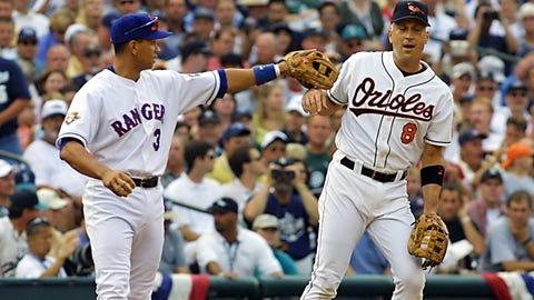 2001: A-Rod makes Cal Ripken play shortstop