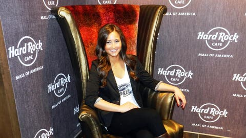 Before the broadcast began, Angie had a chance to stop in at the brand new Hard Rock Cafe.