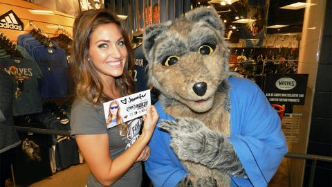 Wolves mascot, Crunch, meets newest FOX Sports North Girl Jennifer for the first time.