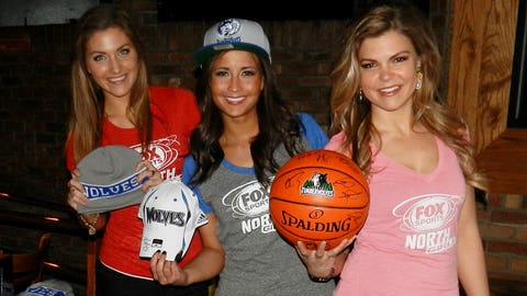 Jennifer, Angie & Kendall handed out all sorts of great gear, courtesy of the Timberwolves. Everything a fan needs to cheer on their team!