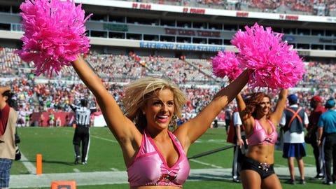 Bucs cheerleaders