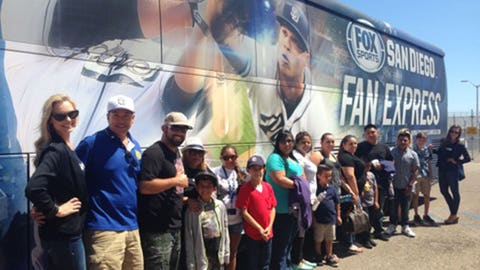 FSSD Girls and Gold Star Families with Fan Express