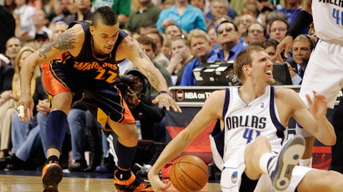 No. 1 Mavs stunned by Warriors