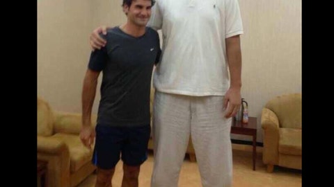 Yao Ming vs. Roger Federer