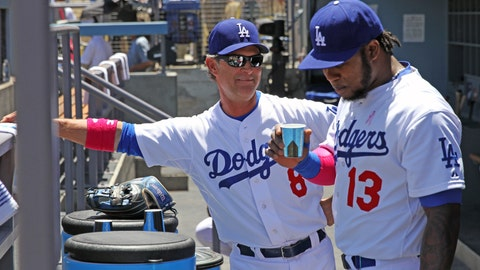Gallery: Dodgers fall to Giants in extras