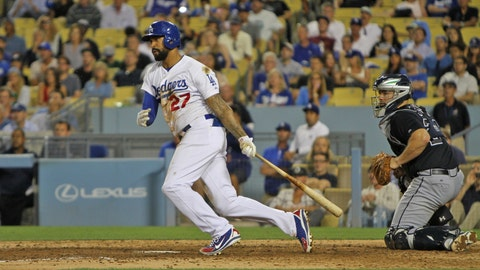 Kemp comes up big in win vs. Braves