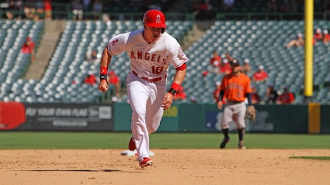 Gallery: Astros top Angels