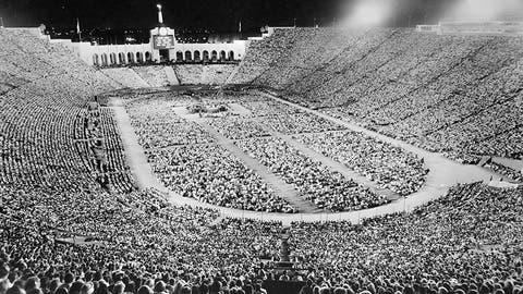1963: Billy Graham