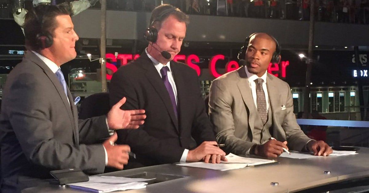 042116-west-corey-maggette-fsw-twitter-takeover.vresize.1200.630.high.0