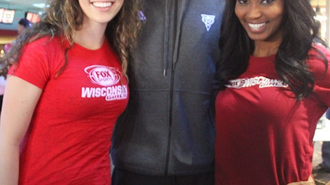 Brandon Knight showed his support for the bowlers and the ongoing effort to find a cure for breast cancer.