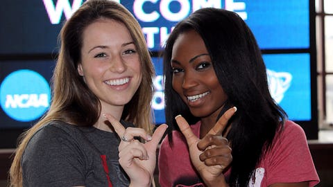 Bet you can guess who the FOX Sports Wisconsin Girls will be cheering for.