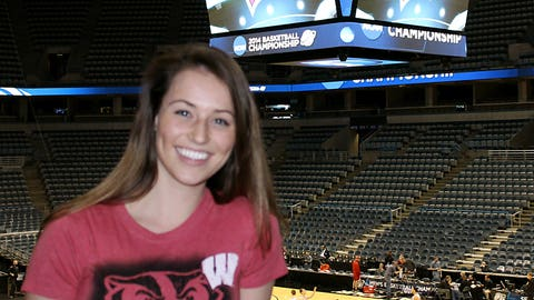 Sage gets a sneak peek at the Badgers during their open practice.