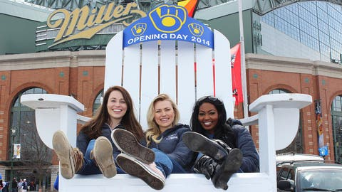 The FOX Sports Wisconsin Girls are ready to kick back & watch their team on Opening Day 2014!