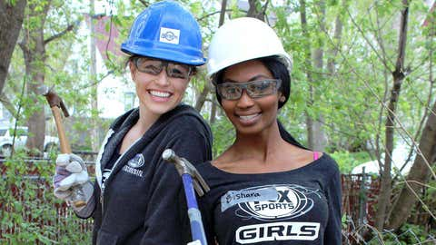 The FOX Sports Wisconsin Girls are happy to be helping build a new home in Milwaukee.