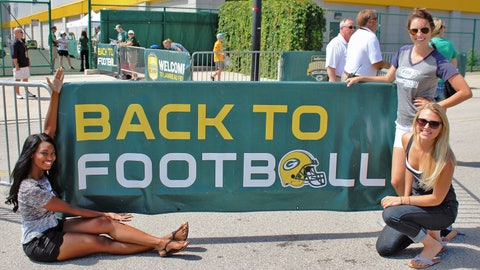 The FOX Sports Wisconsin Girls are ready to get Back to Football! Are you?