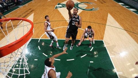 PHOTOS: Spurs 114, Bucks 103