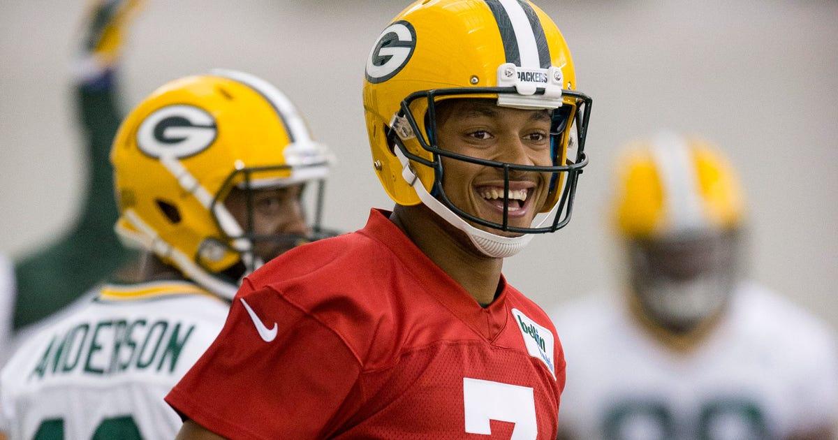 Green Bay Packers Qb Brett Hundley Proving To Be A Quick