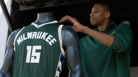 PHOTOS: Bucks' new uniforms