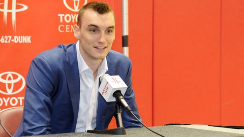 Sam Dekker, former Badger and Rockets forward