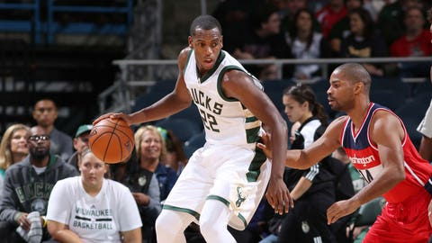 22 Khris Middleton, F