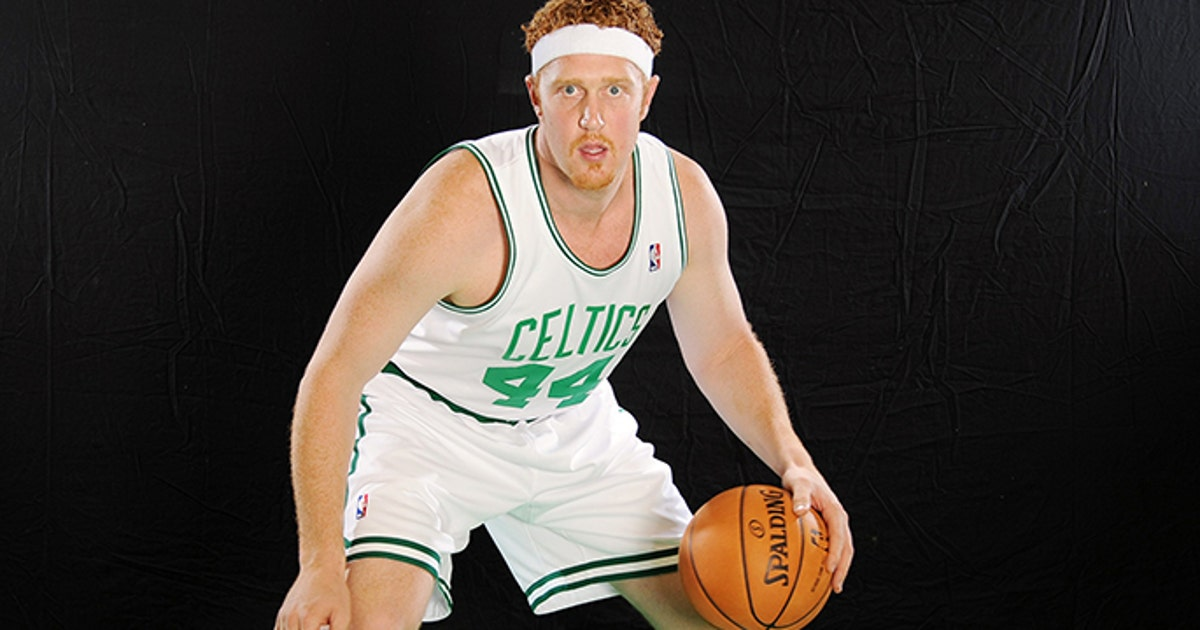 Brian Scalabrine Hilariously Spoofs Lebron Announces