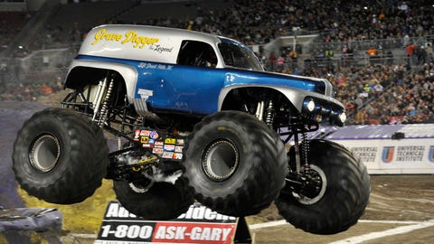 Monster Jam racing in Tampa, FL: Grave Digger The Legend