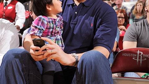 Yao Ming vs. His Daughter