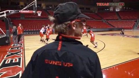 Texas Tech helping arena employee build a new home