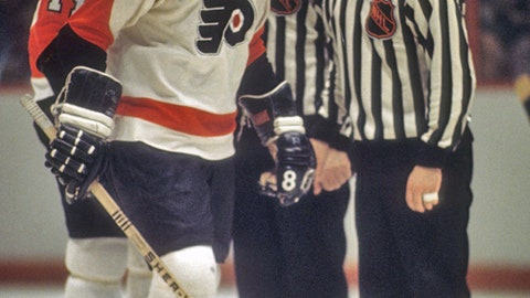 Dave Schultz's 472 PIM in a season