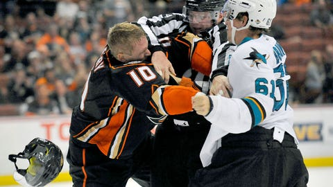 Ducks vs. Sharks, Round 3 — Braun vs. Perry