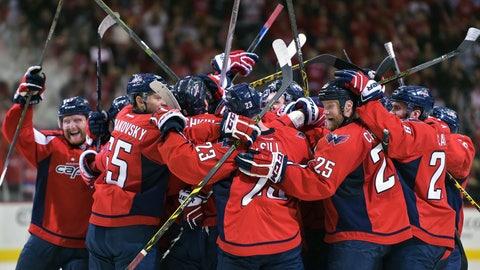 Ovechkin overrules Senators, reaches 500-goal plateau