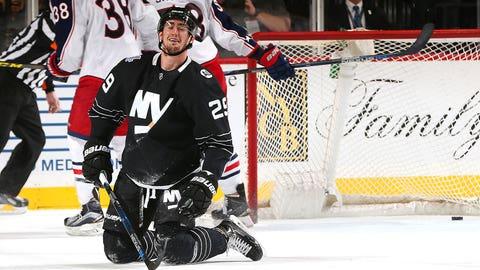 Islanders' Nelson nets four-point performance vs. Blue Jackets